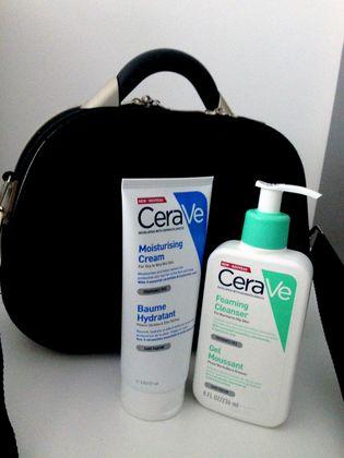 8b0079c24 5 months ago Kufřík obsahuje cestovní nezbytnosti - Moisturizing cream -  CeraVe